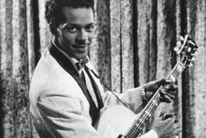 Chuck Berry, nome artístico de Charles Edward Anderson Berry, é um compositor, cantor e guitarrista americano. É apontado por muitos como um dos pioneiros do rock and roll.
