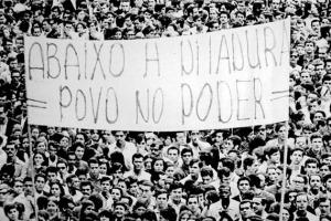 Há mais de 50 anos atrás, o Brasil começava a viver um período obscuro em sua história política, marcado por torturas, mortes, anulação de direitos e censura.